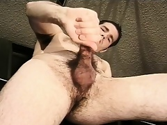 Hot mechanic fingers his ass and jacks off his obese dick in be imparted to murder garage